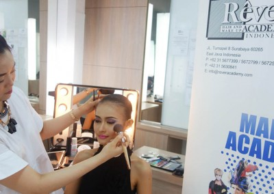 Demo & Workshop Create Flawless Edged by Riva Tamara - 18 Maret 2015 (10)