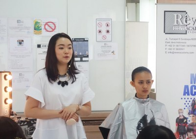 Demo & Workshop Create Flawless Edged by Riva Tamara - 18 Maret 2015 (7)