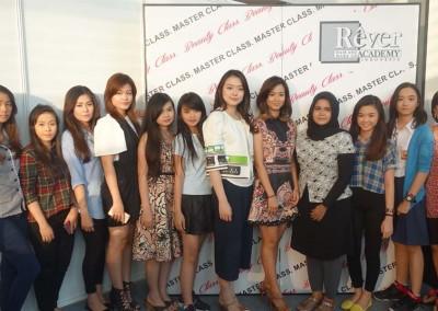 Rever Academy x BeautyBlender 2015  (7)